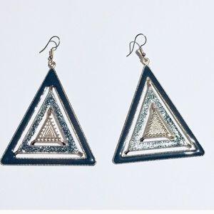 Jewelry - ⭐️Triangle fashion earrings